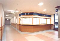 福岡県北九州市小倉南区の精神科病院「松尾病院の受付窓口 写真・画像